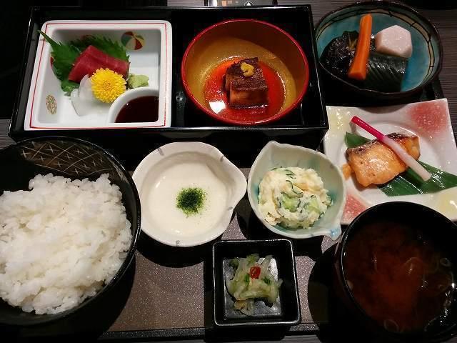 「 福泉華 」 七色御膳 美味しい和食