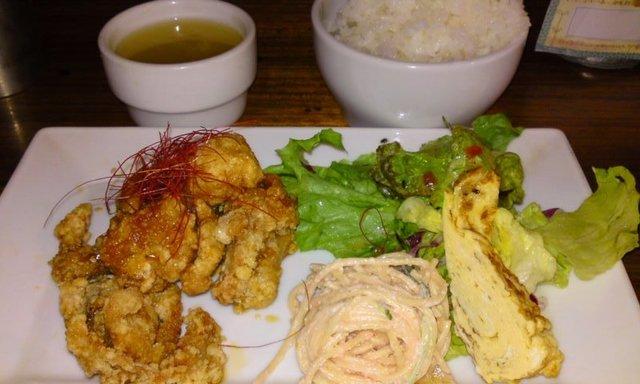 「 ORIENTAL CAFE 」 油淋鶏 旨い・安い・満腹