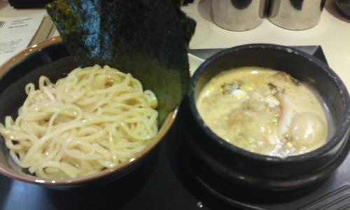 「 ゴル麺。 横浜本店 」 黄金つけ麺 ちょっと高いけど美味しいつけ麺