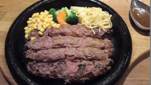 横浜のおすすめハンバーグ 「 アラベル 」 黒毛和牛100%の柔らかハンバーグ