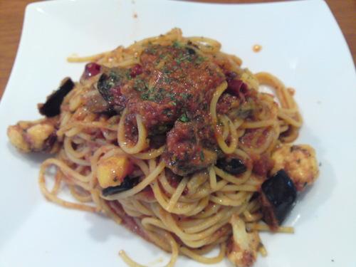 「ラフォンテ」横浜の美味しいイタリアン 「 ピリ辛トマトソースのアラビアータ 」あとひく旨さ