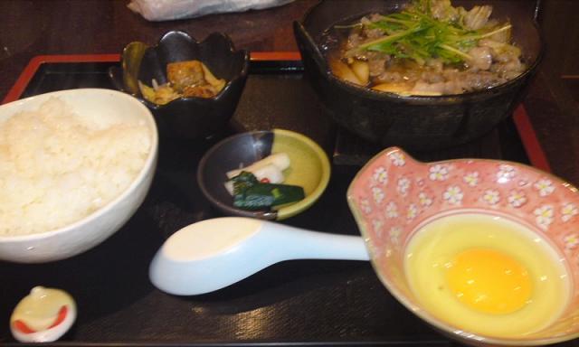 「 和楽宮 」 すき焼き鍋 甘辛スープ美味しい!