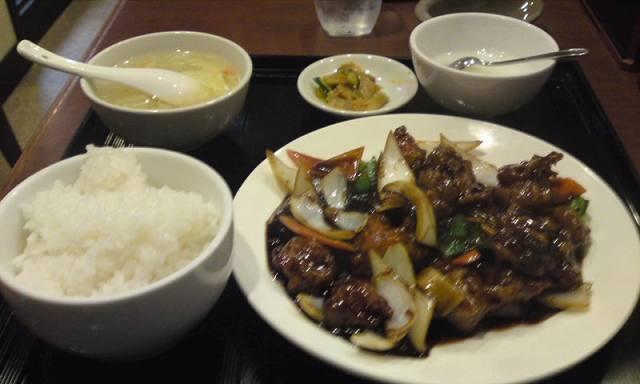 「 好鴨(すきかも) 」 黒酢の唐揚げ定食 八角の香り