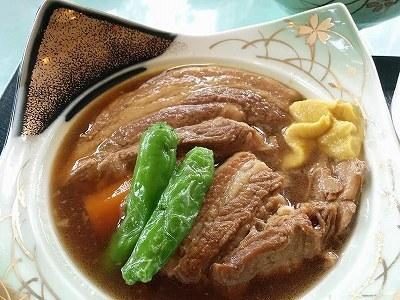 「 東京カントリー倶楽部 」 豚の角煮定食 とろとろで美味しい