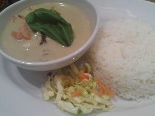 「 マンゴーツリーキッチン 」 辛いグリーンカレー
