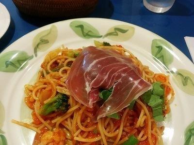「 イタリッチ 」 春野菜のトマトソース生ハムとルコラのサラダ パスタランチ