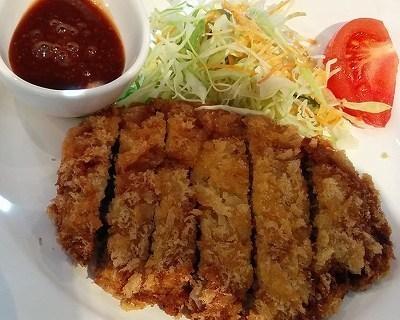 「 おきらく食堂 Garden 」 国産牛100%特製メンチカツ定食