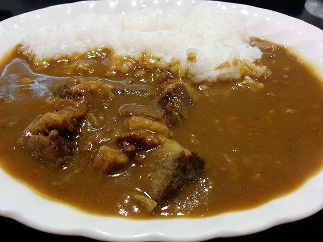 「 鎌田 」 肉大盛りカレーライス お肉ごろごろのマイルドカレー