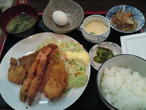 「 志摩 」 ボリューム満点のミックスフライ定食